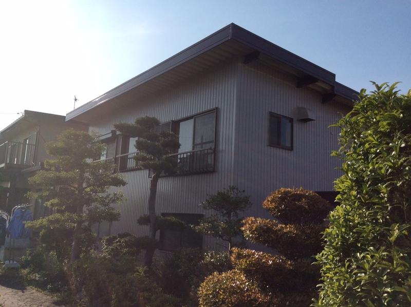 外壁のトタンと折板屋根の塗装を行った安八町 U様。シリコン塗装で新築のように蘇りました!