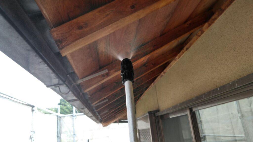 瑞穂市 K様邸 木洗い工事をおこない軒も柱もきれいになりました。