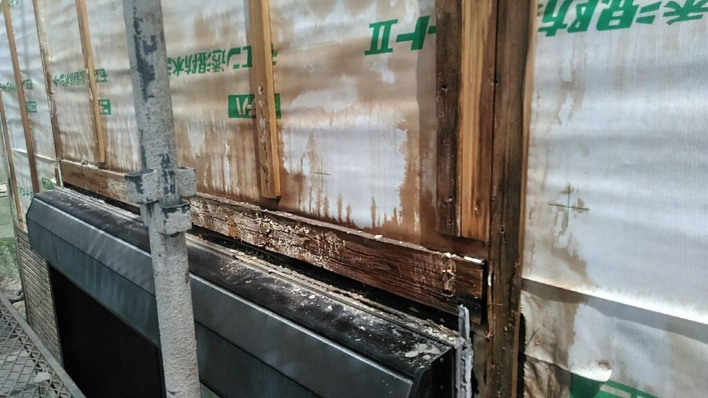 安八町 K様邸 雨漏りでサイディングボートが膨らんでいました。