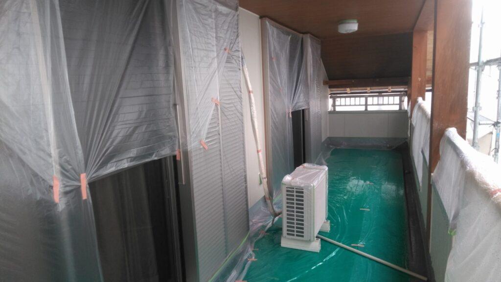 神戸町 W様邸 木部のアク洗いと外壁塗装をおこない暖かく素材感の引き立つお家になりました。