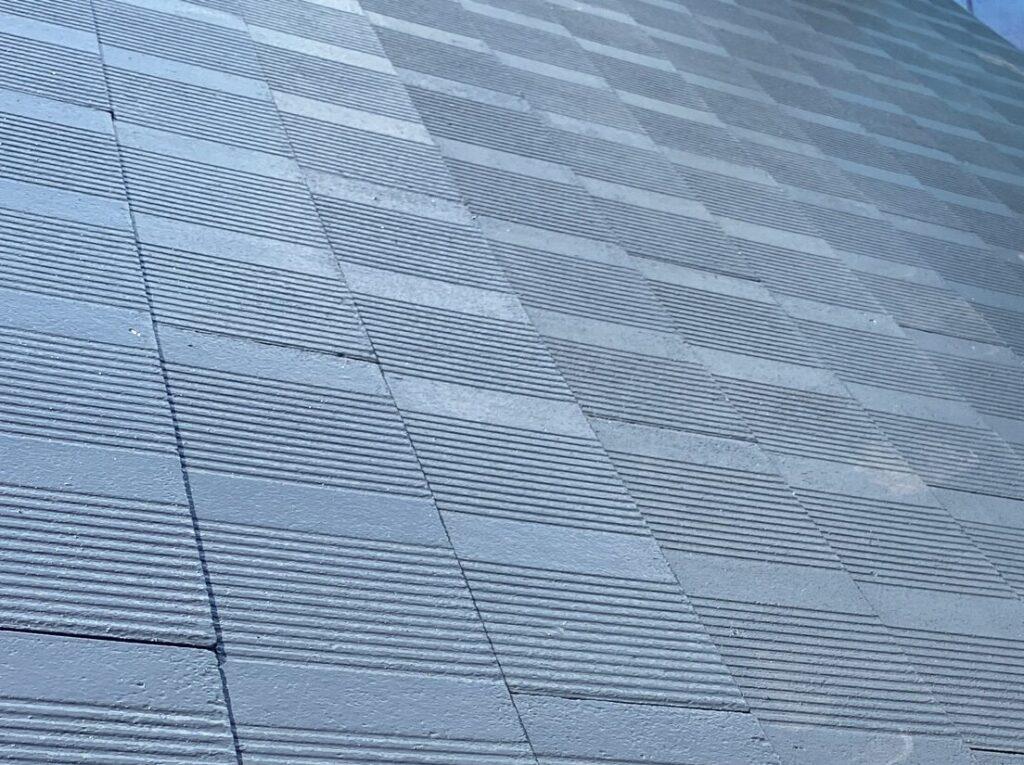 大垣市 劣化してコケの生えてしまったカラーベスト屋根を塗装し、耐久性の高い屋根に仕上げました。